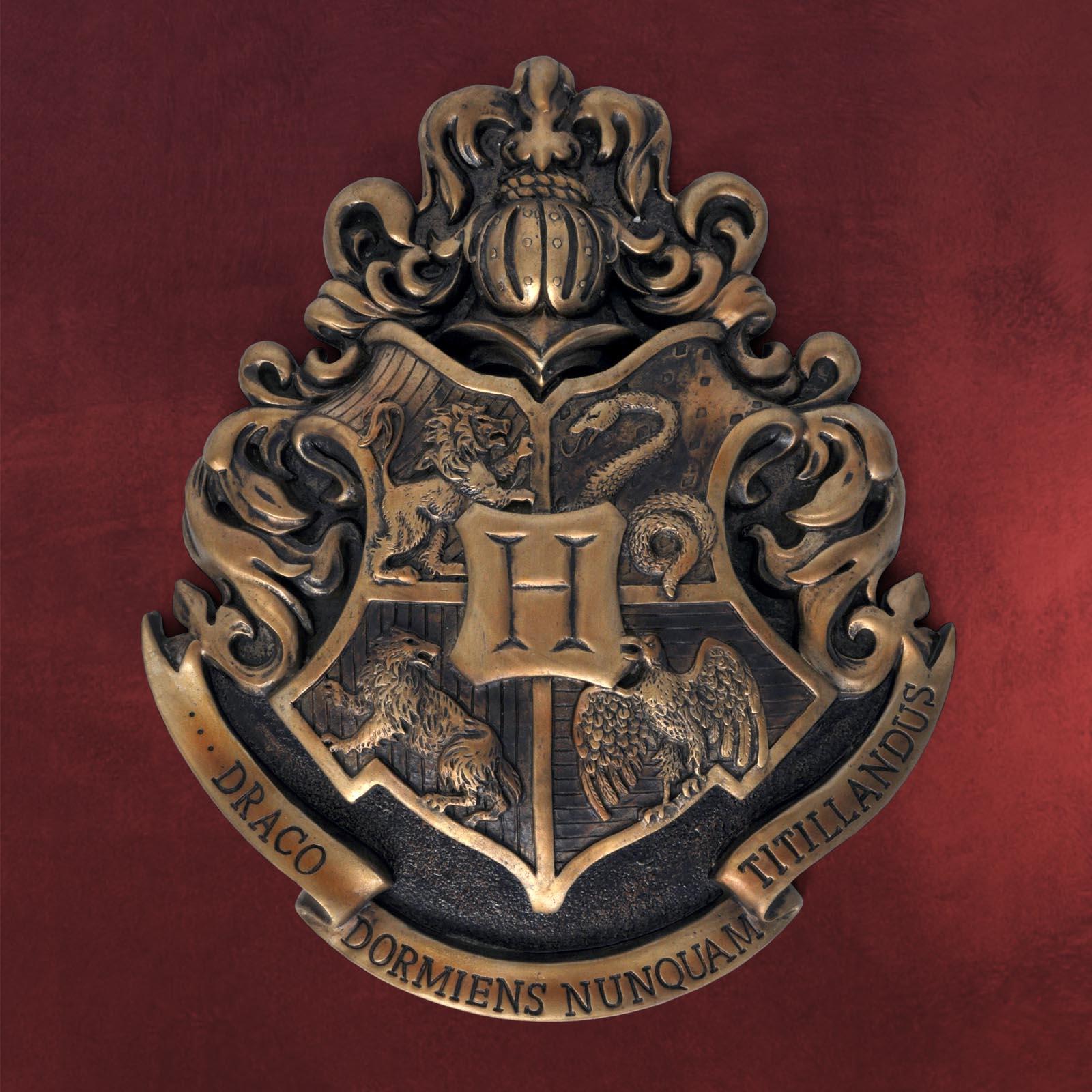 harry potter hogwarts wappen wandbild metall 28 x 30 cm ebay. Black Bedroom Furniture Sets. Home Design Ideas